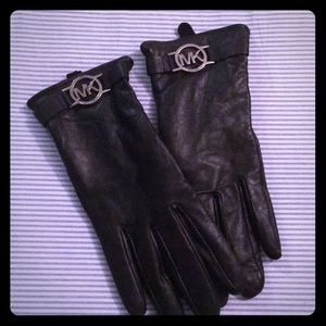 Authentic Michael Kors leather gloves